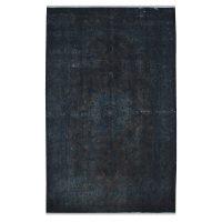 خرید                     فرش دستبافت رنگ شده هشت و نیم متری طرح وینتج کد 18205