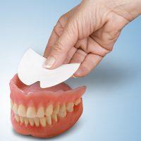 راهنمای خرید چسب دندان مصنوعی